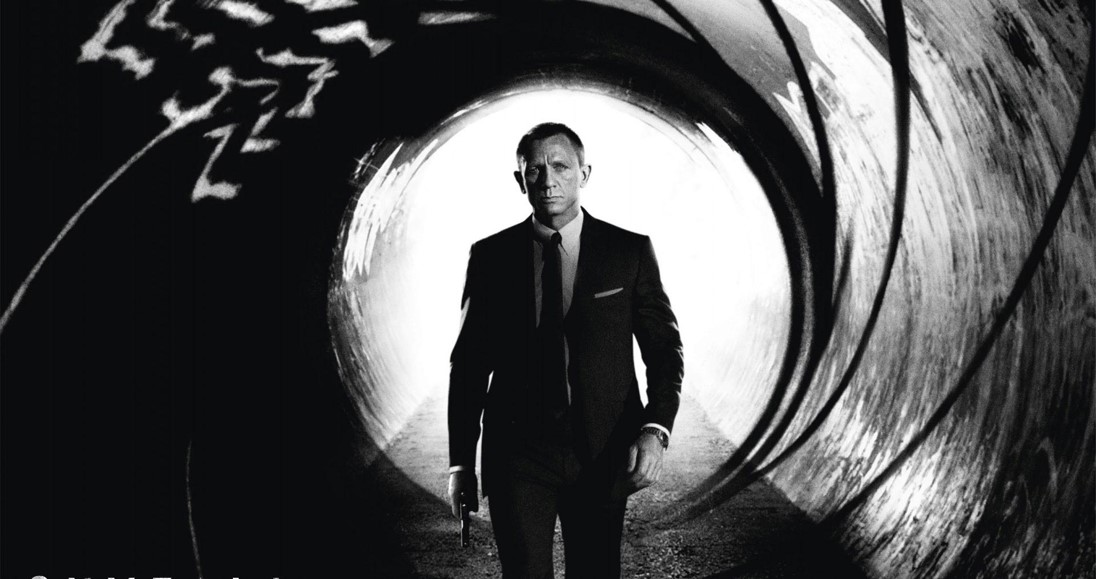 SKYFALL - 007 James Bond Daniel Craig movie picture - Go with the Blog