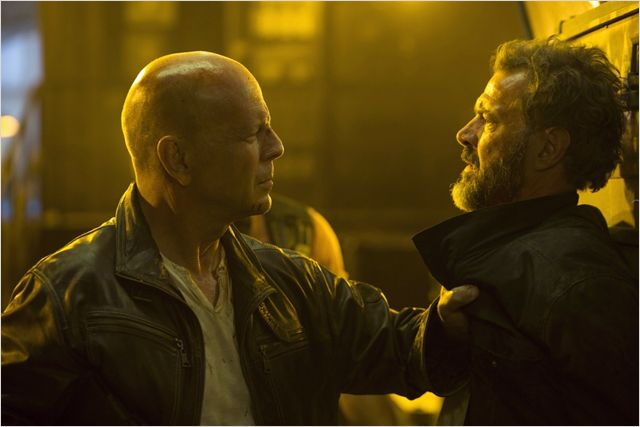 DIE HARD 5 - Go with the Blog
