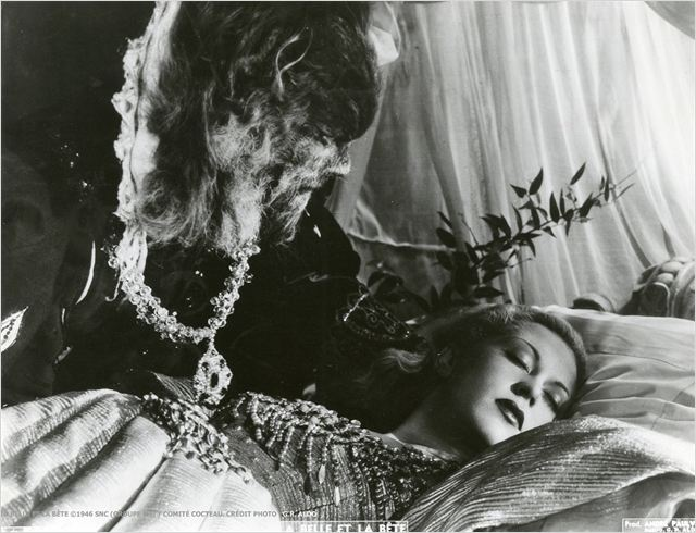 LA BELLE ET LA BÊTE - image du film - Go with the Blog
