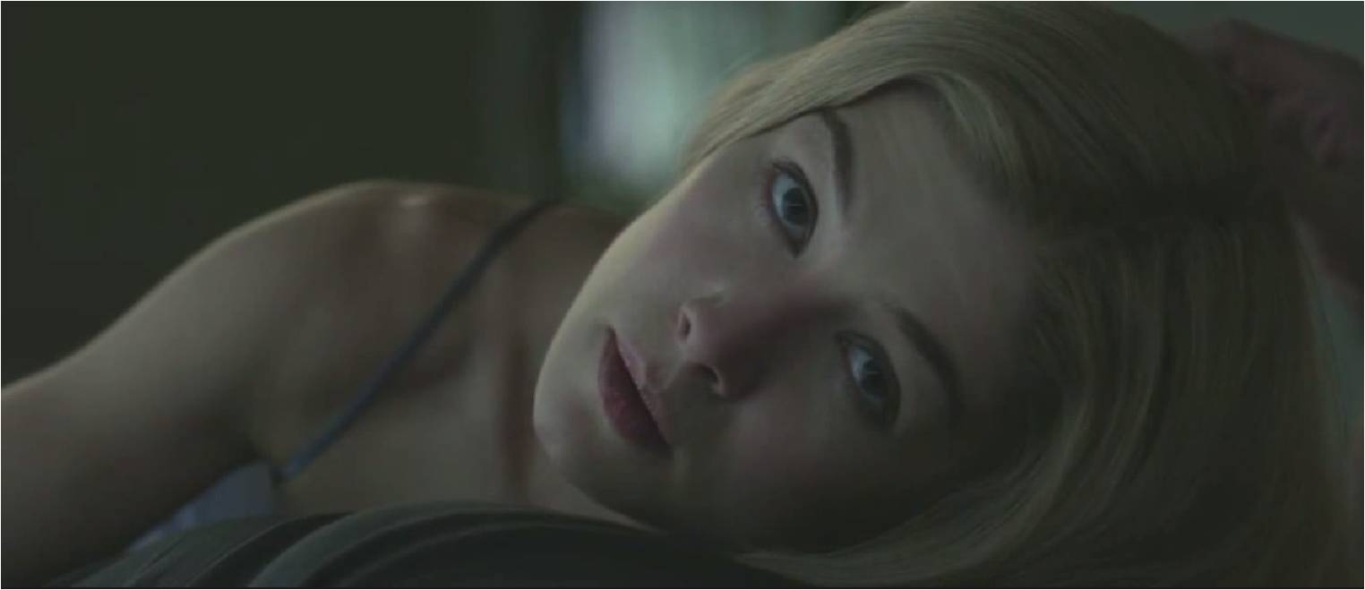 GONE GIRL - Rosamund Pike Amy Dunne - Go with the Blog