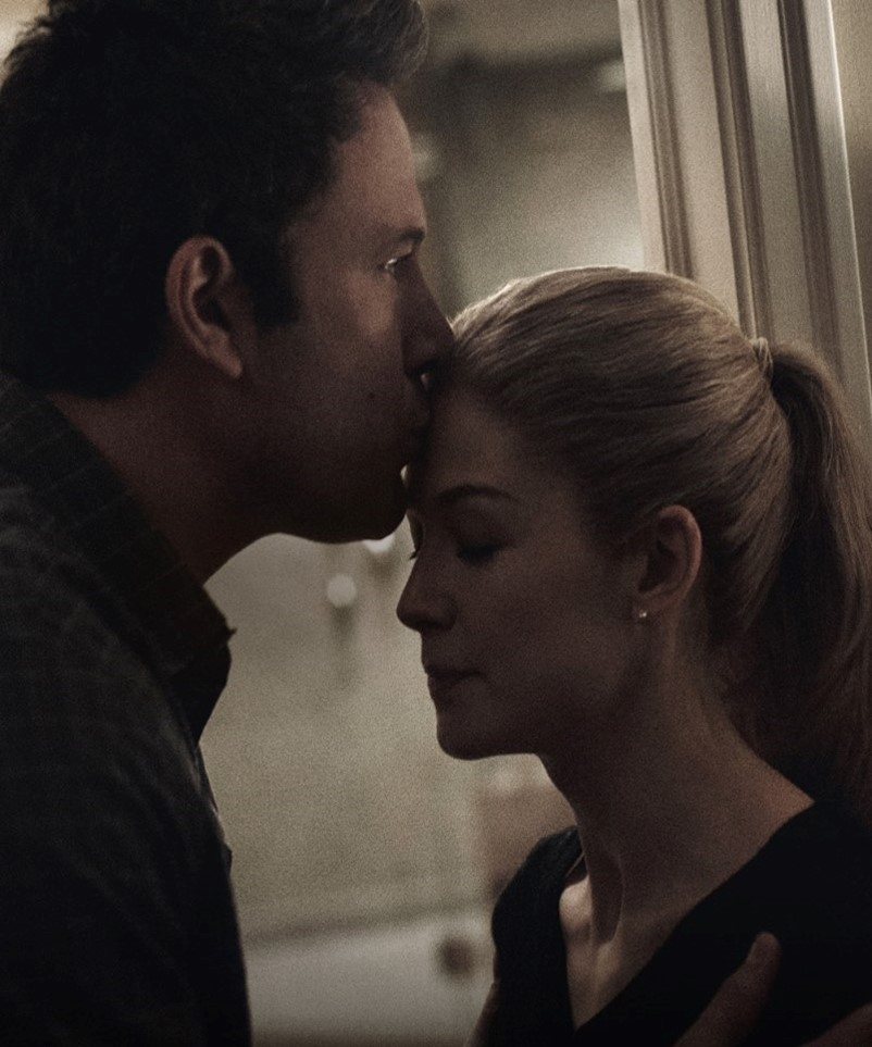 GONE GIRL - image du film Rosamund Pike Ben Affleck movie picture  David Fincher - Go with the Blog