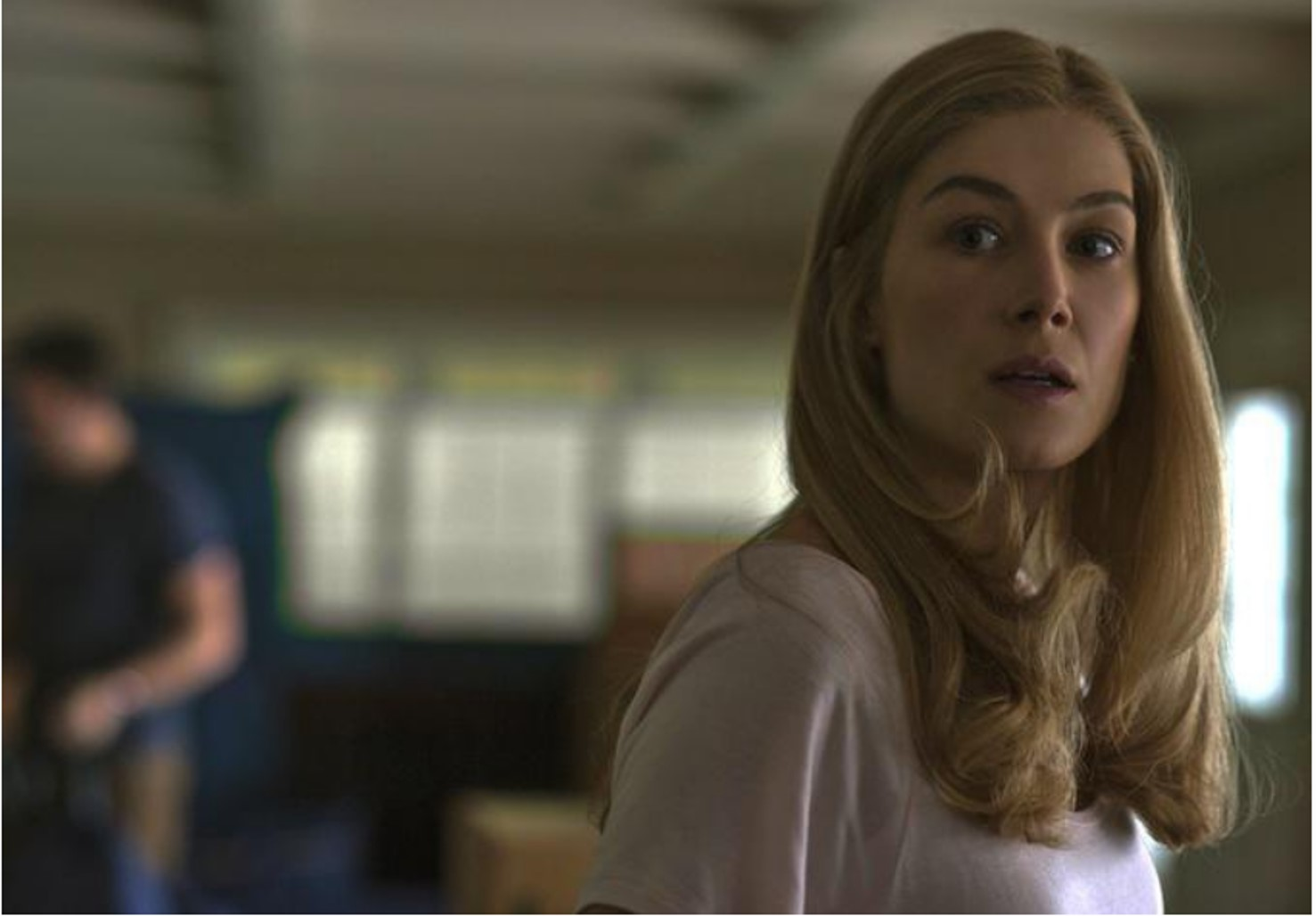 GONE GIRL - image du film Rosamund Pike movie picture  David Fincher - Go with the Blog