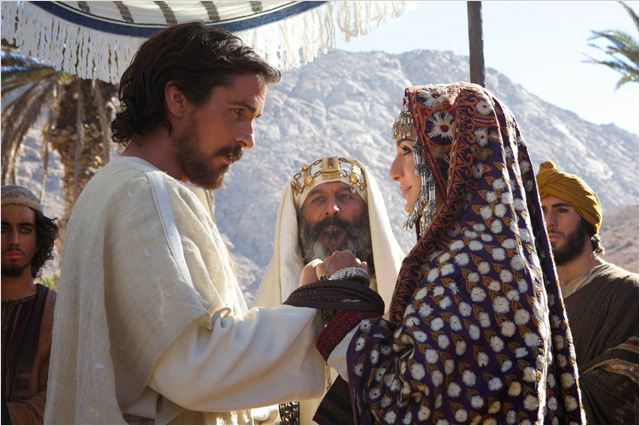 EXODUS - image du film Christian Bale Maria Valverde - Go with the Blog