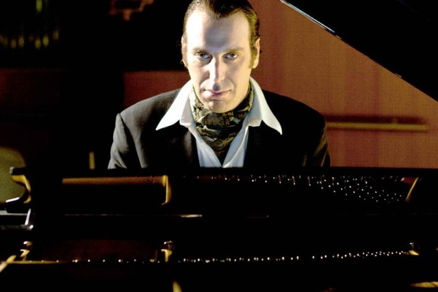 CHILLY GONZALES - musicien canadien pianiste Daft Punk 2 - Go with the Blog