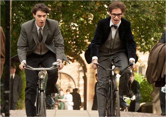 UNE MERVEILLEUSE HISTOIRE DU TEMPS - image du film 2015 Eddie Redmayne - Go with the Blog