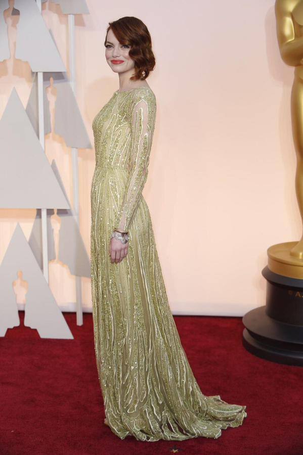OSCARS 2015 - Emma Stone red carpet - Go with the Blog