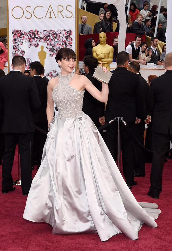 OSCARS 2015 - Felicity Jones red carpet - Go with the Blog