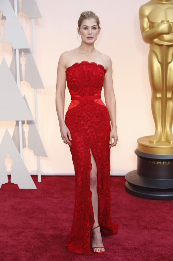 OSCARS 2015 - Rosamund Pike red carpet Oscars GONE GIRL - Go with the Blog