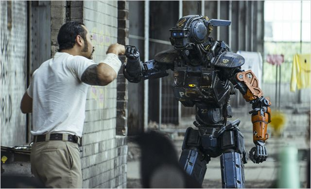 CHAPPIE - Image 3 du film Neill Blomkamp Sony Pictures - Go with the Blog