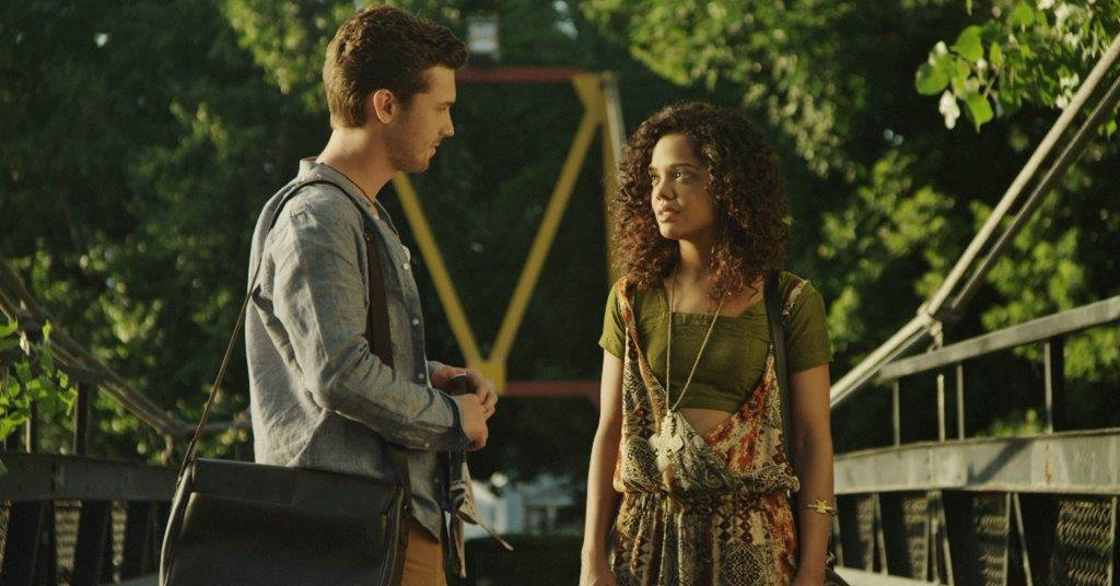 DEAR WHITE PEOPLE - Image du film 2 Happiness Distribution Comedy - Go with the Blog