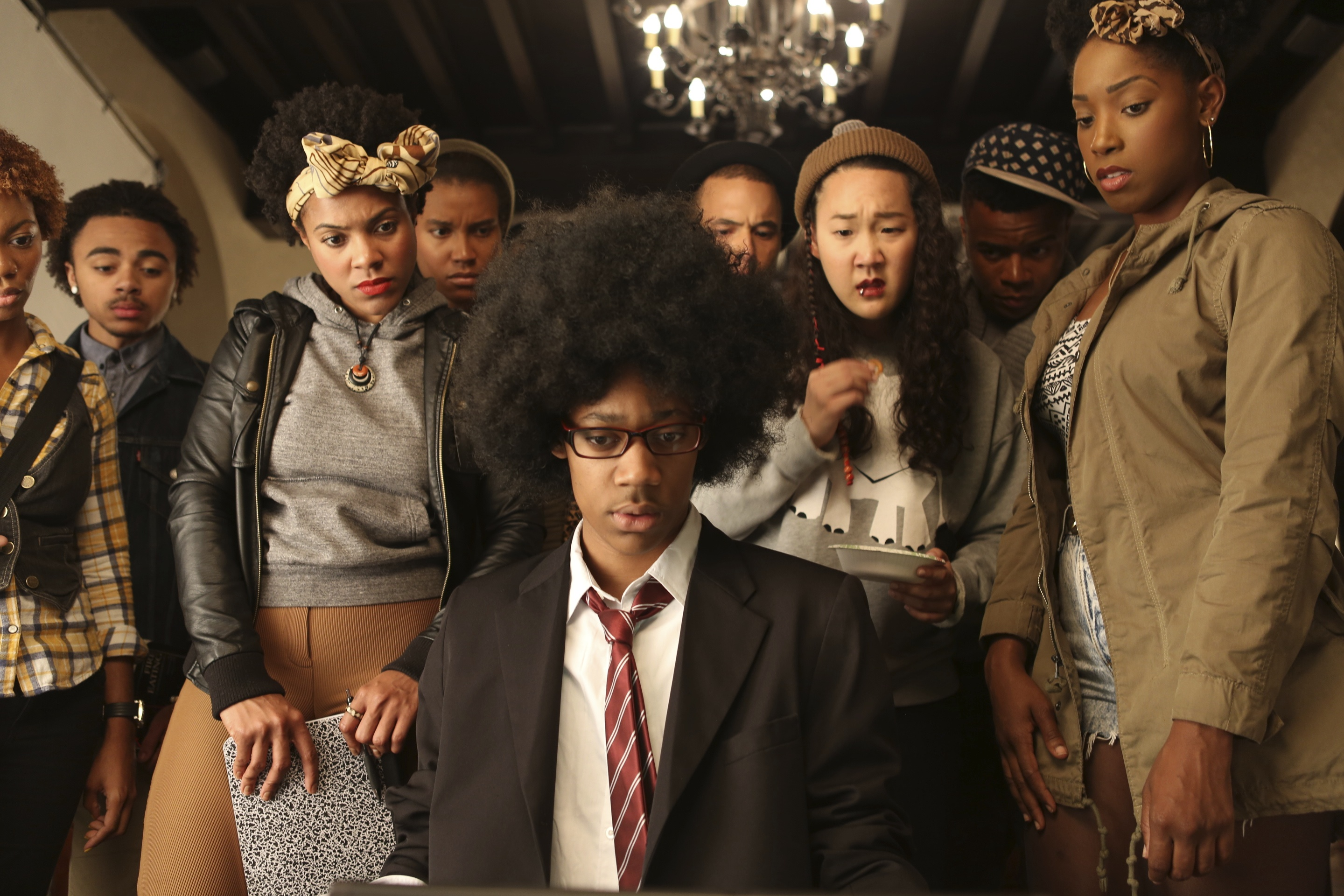 DEAR WHITE PEOPLE - Image du film Happiness Distribution Comedy - Go with the Blog