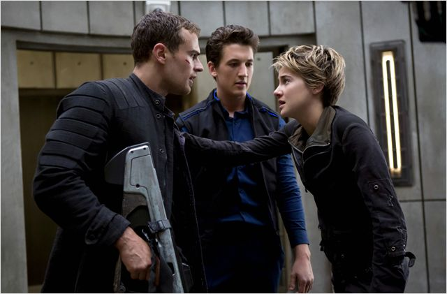 DIVERGENTE 2 INSUGRENT INSURGENTE - Image du film 10 - Go with the Blog