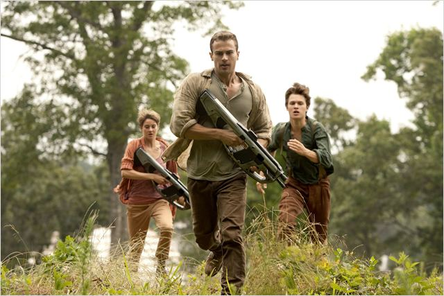 DIVERGENTE 2 INSUGRENT INSURGENTE - Image du film 12   - Go with the Blog