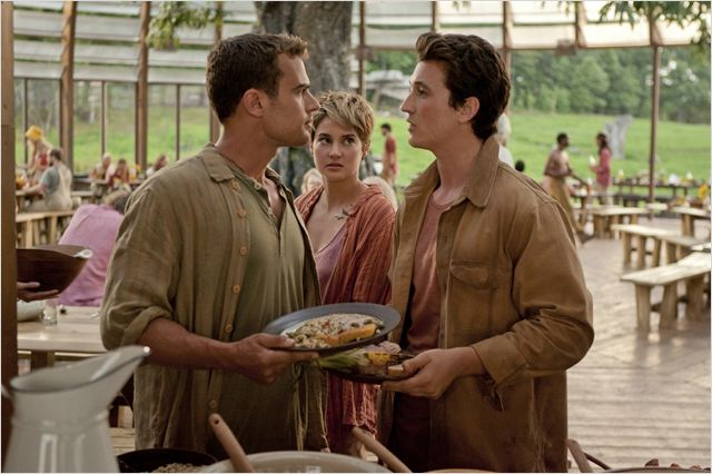 DIVERGENTE 2 INSUGRENT INSURGENTE - Image du film 9 - Go with the Blog