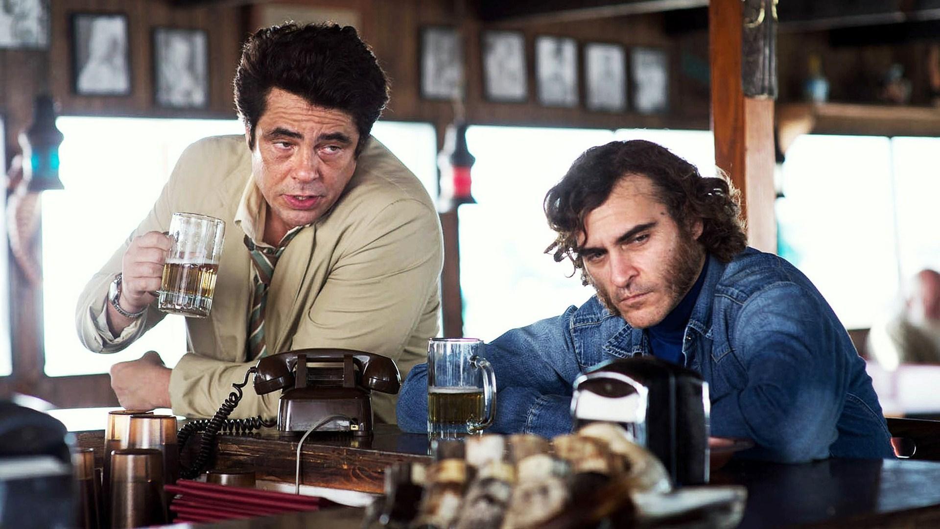 INHERENT VICE - Joaquin Phoenix Benecio del Toro 2015 movie - Go with the Blog