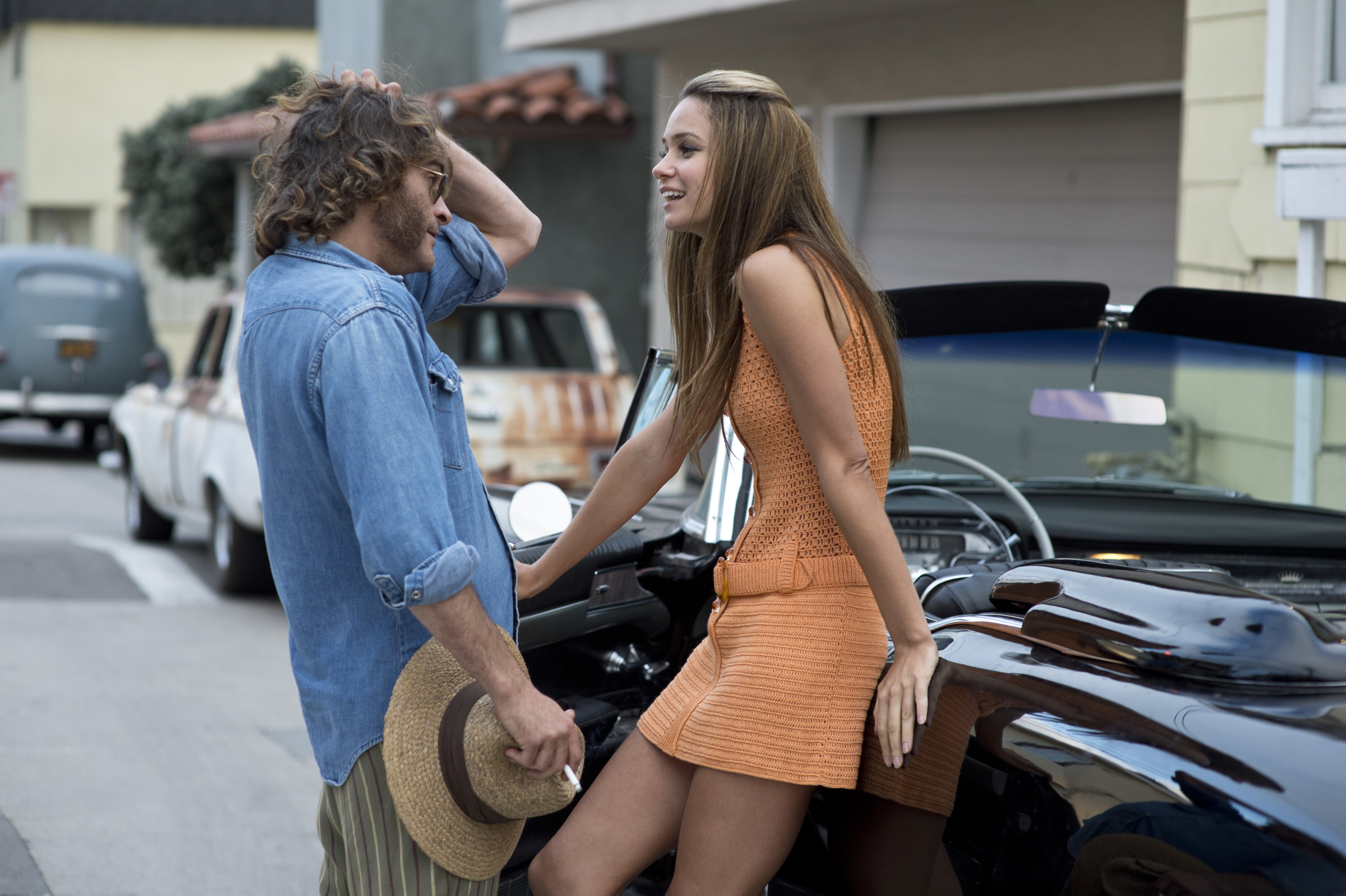 INHERENT VICE - Joaquin Phoenix Image du film 3 Paul Thomas Anderson girl Shasta - Go with the Blog