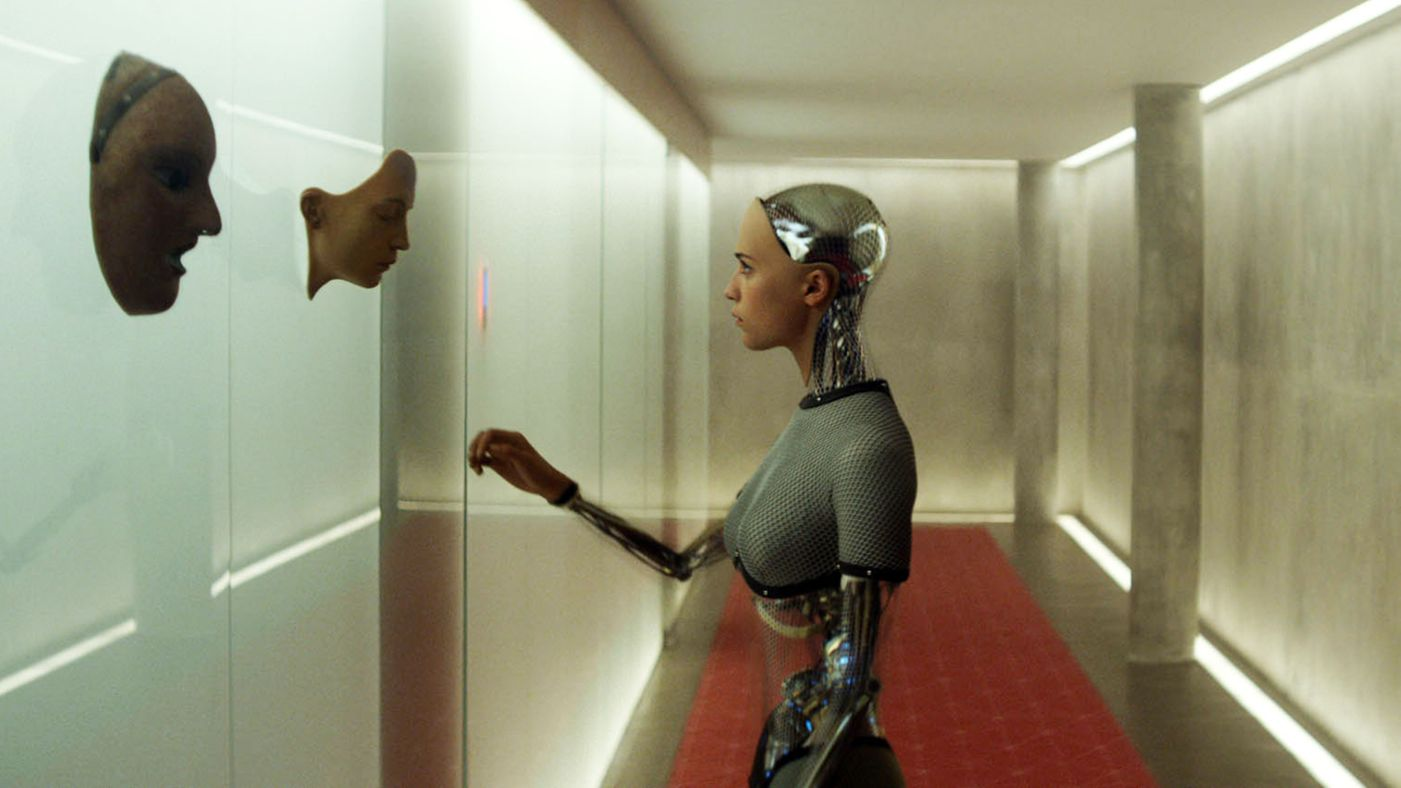 EX_MACHINA - Image du film 9 Alex Garland - Go with the Blog