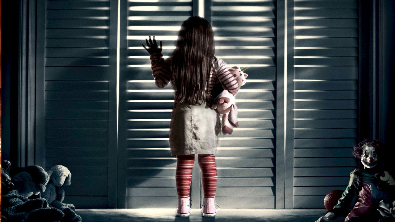 POLTERGEIST 2015 3D - Image du film 2015 Movie Poster petite fille penderie placard - Go with the Blog