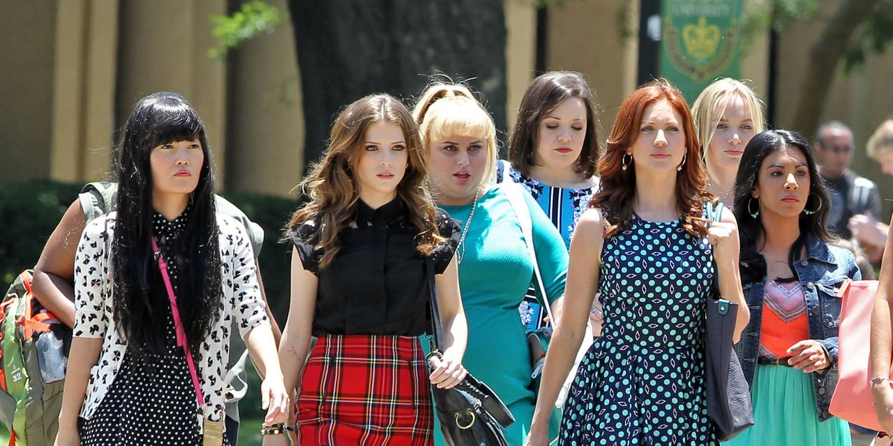 PITCH PERFECT 2 THE HIT GIRLS 2 - image 4 du film 2015 Anna Kendrick Rebel Wilson - Go with the Blog