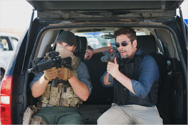 SICARIO - Image 1 du film Denis Villeneuve Benicio del Toro 2015 - Go with the Blog