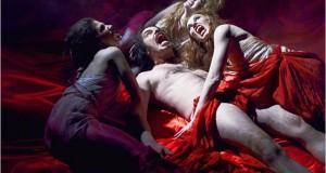 VAMPIRES EN TOUTE INTIMITÉ : une comédie sanglante