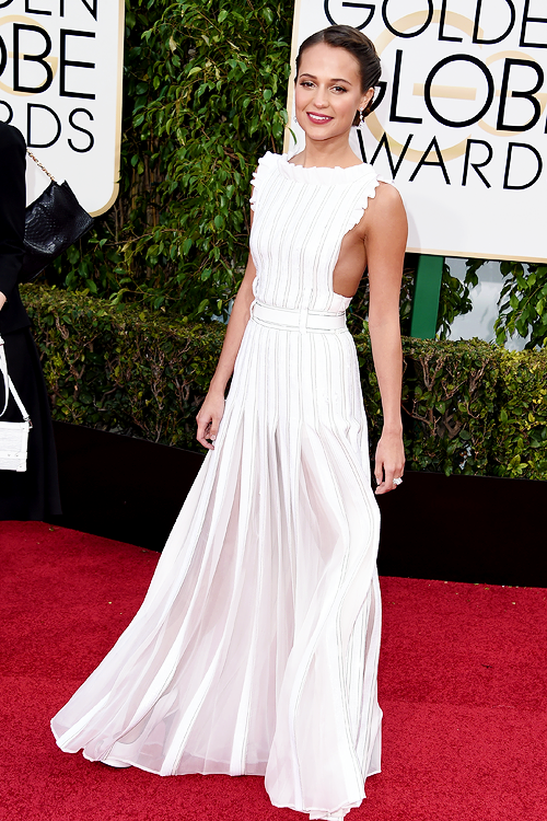 GOLDEN GLOBES 2016 - Alicia Vikander en Louis Vuitton 6