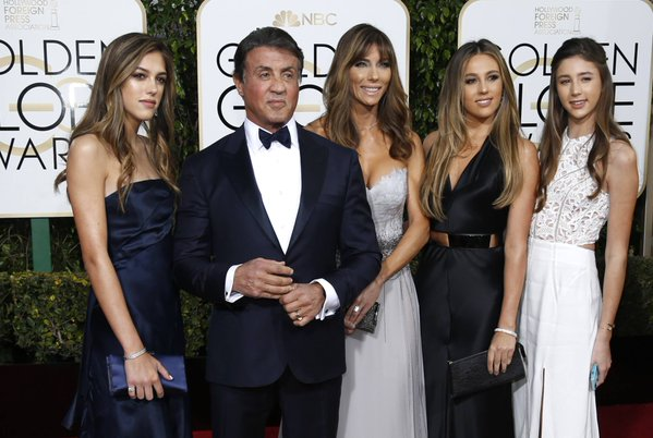 GOLDEN GLOBES 2016 - Sylvester Stallone en famille family wife and daughters ses filles 2