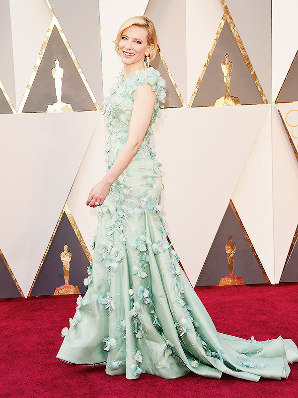OSCARS 2016 - Cate Blanchett in ARMANI 3 red carpet 2016 tapis rouge - Go with the Blog
