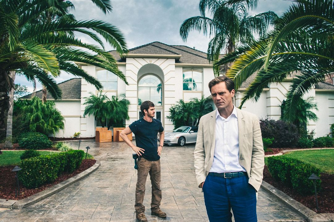 99 HOMES - Image du film 3 Michael Shannon Andrew Garfield - Go with the Blog