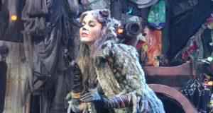 Chimène Badi réenchante CATS sur la scène de Mogador