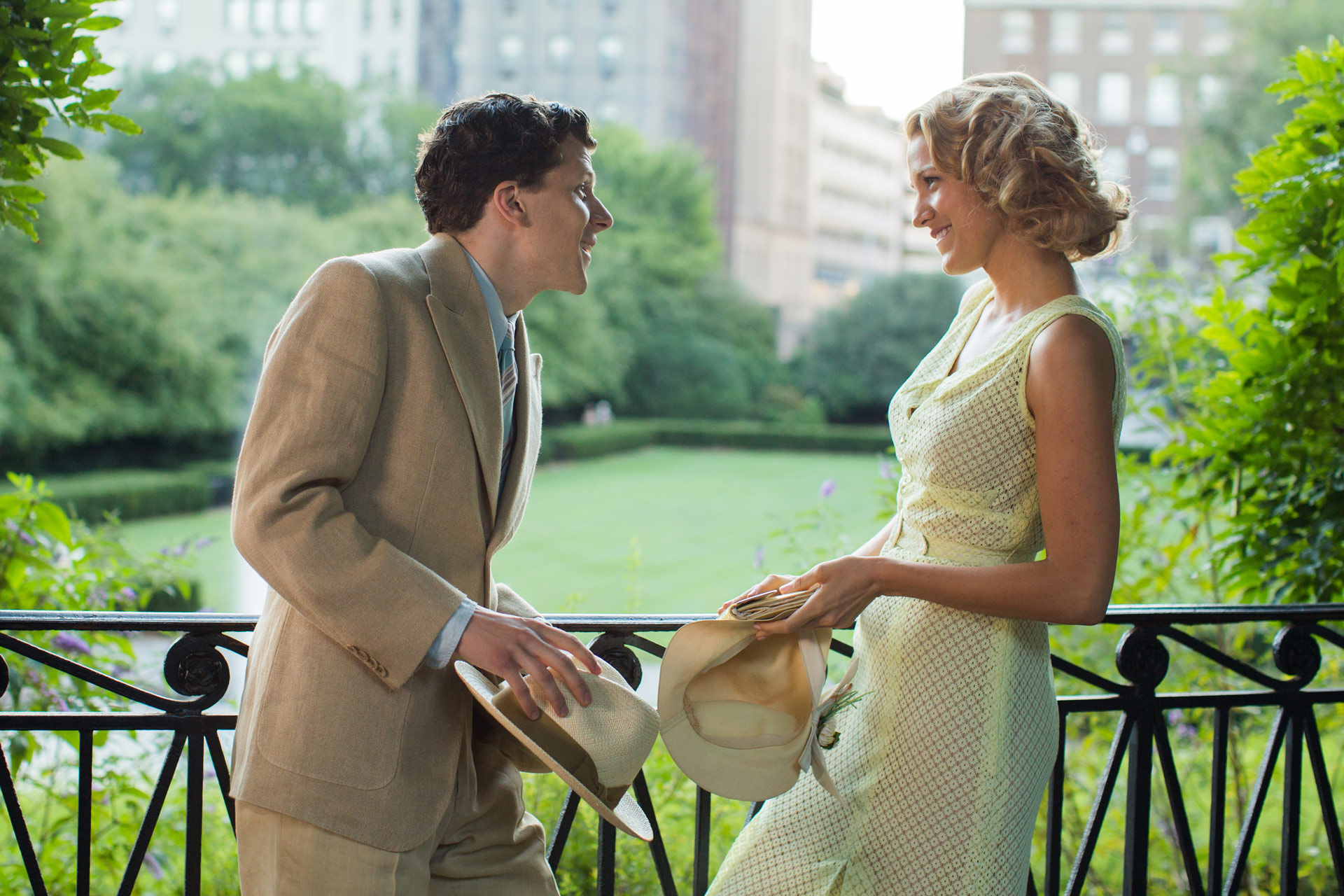CAFÉ SOCIETY - Image 5 du film Eisenberg Kristen Stewart Woody Allen - Go with the Blog (2)