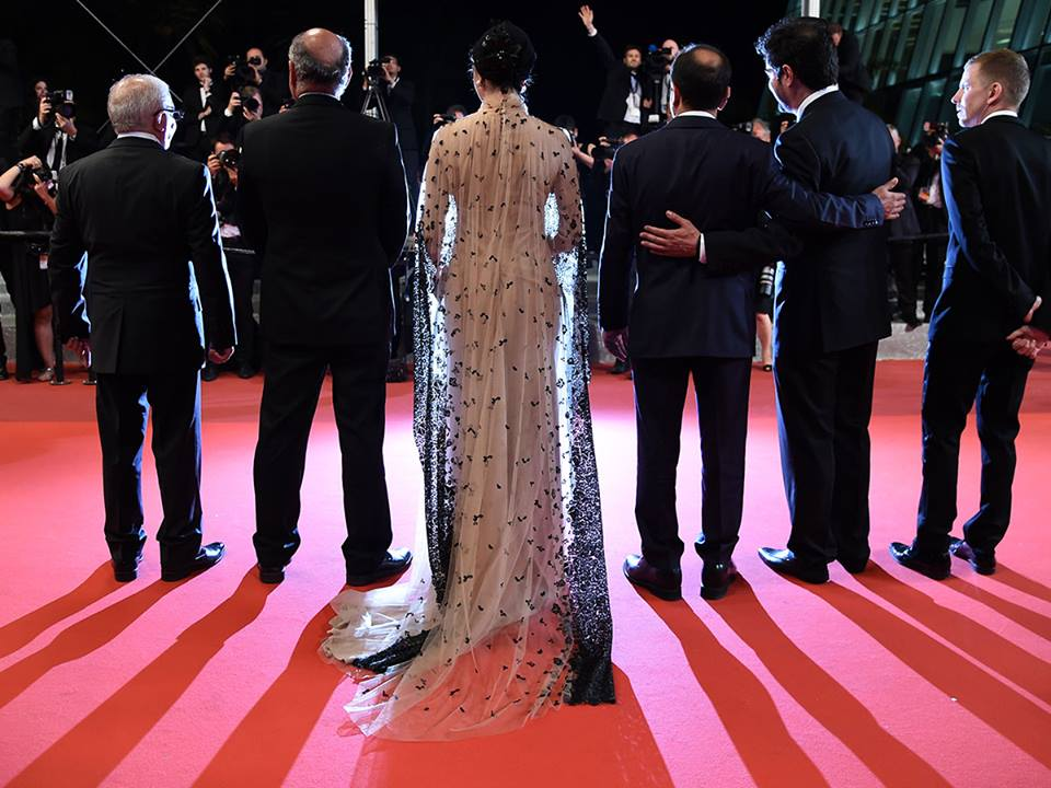 CANNES 2016 - FORUSHANDE LE CLIENT Farhadi red carpet 2