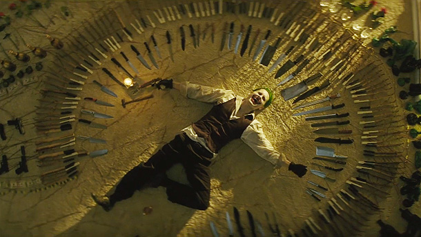 SUICIDE SQUAD - Image 11 du film Jared Leto The Joker weapons - Go with the Blog